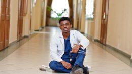 Au Cameroun, des médecins malades du chômage et de la précarité